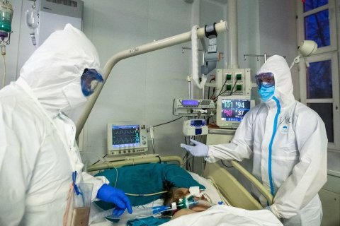 Число инфицированных коронавирусом в России за сутки возросло на 11 тысяч человек