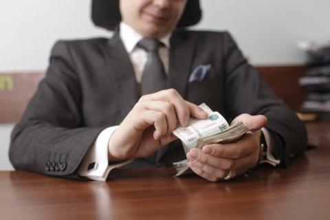 Замначальника УМВД Барнаула попался на миллионной взятке