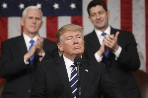 Трамп назвал «предательством» нежелание демократов аплодировать его речи