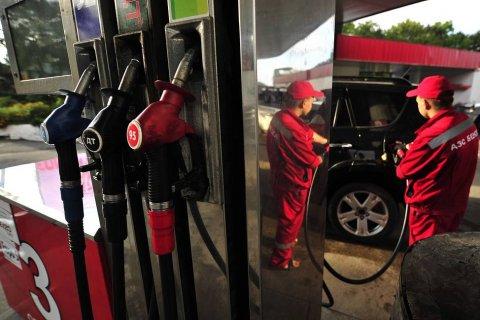 Власти защитили цены на бензин от … снижения