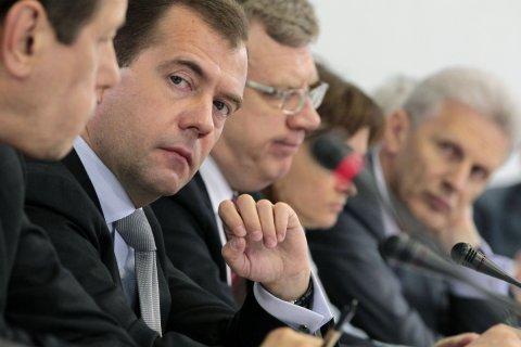 Путин отправил Медведева в отставку и предложил снова сделать его премьер-министром