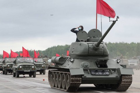 В десяти городах отказались от проведения парада Победы из-за коронавиурса