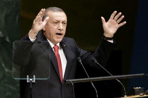 Эрдоган обвинил Запад в снабжении террористов оружием