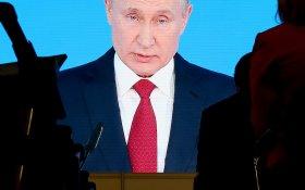 Путин сказал надо. Вертикаль ответила — есть. Поправки к Конституции уже готовы и внесены в Госдуму