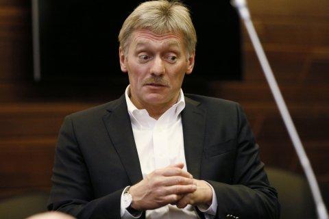 Кремль: решение о сокращении роста зарплат врачей пока не принято