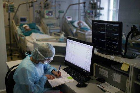 В России продолжает расти среднесуточные показатели заражения коронавирусом