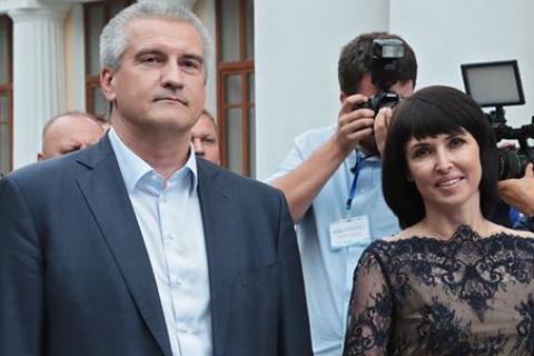 Доход главы Крыма за год сократился на 1 млн руб, доход супруги вырос на 9 млн