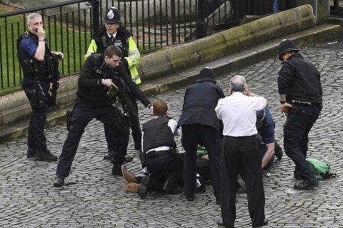 Теракт в центре Лондона. Подробности