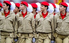 В Кремле решили задавить протестную активность и повысить патриотизм молодежи