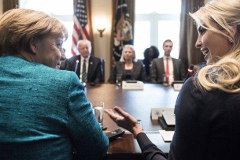 Трамп вручил Меркель счет на 375 млрд долларов за услуги НАТО