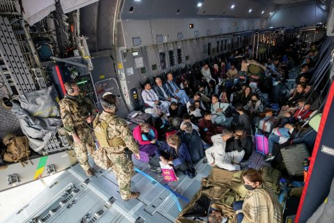 США за 4 дня эвакуировали из Афганистана около 6 тыс. человек