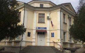 Выписанная из больницы россиянка умерла на скамейке у клиники