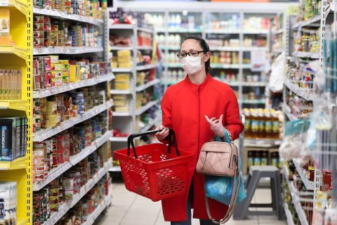 Не смотря на все заклинания, Минэкономики пришлось повысить прогноз инфляции с 5,8 до 7,4%