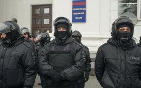 Владимир Путин в последний месяц года увеличил госрасходы на премирование полицейских и финансирование госпропаганды, сократил — на гражданскую медицину, соцобеспечение и образование