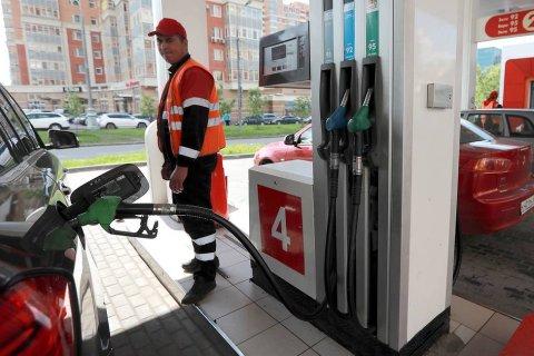 Правительство решило разморозить цены на бензин