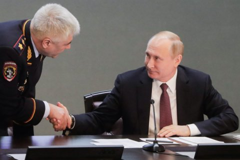 Путин в очередной раз отчитал представителей МВД за плохую раскрываемость преступлений (Кого-нибудь наказал?)