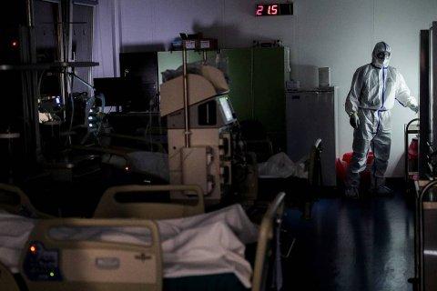В Москве половину коечного фонда в больницах выведут из работы с коронавирусом