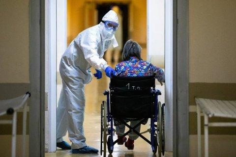 Количество заболевших коронавирусом в России снова стало превышать количество выздоровевших