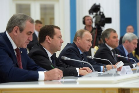 Путин распределил места руководителей комитетов в Госдуме