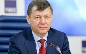 Дмитрий Новиков: Сталина и Гитлера уравнивают те, кто задался целью уничтожить Россию