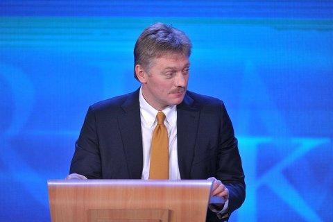 Песков считает неуместным задавать президенту вопросы о пенсиях