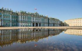 В Петербурге оштрафовали мужчину, гулявшего с ребенком, на 15 тысяч рублей