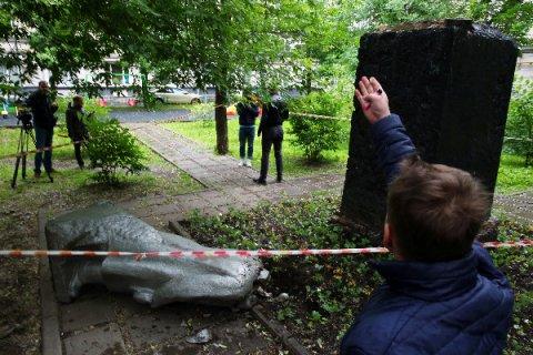 Возбуждено уголовное дело по факту повреждения памятника Ленину в Москве