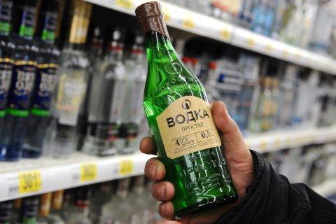 Депутат-единоросс предложил поднять цену на водку