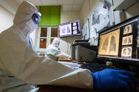 Число инфицированных коронавирусом в России достигло 166 тысяч человек. За месяц число больных выросло в 26 раз