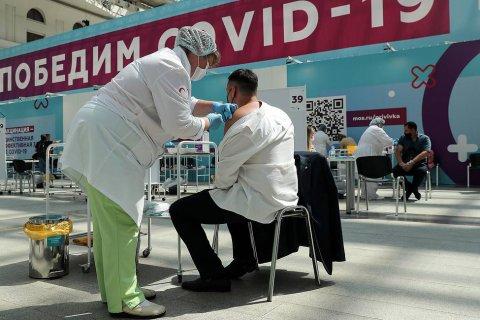 В Москве первую прививку от коронавируса сделали более 3,2 млн москвичей