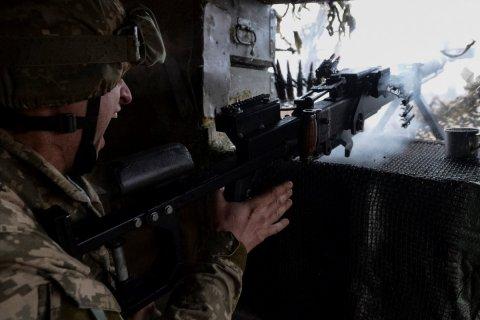 Украинская армия 19 раз нарушила перемирие в Донбассе за неделю, заявили в ЛНР